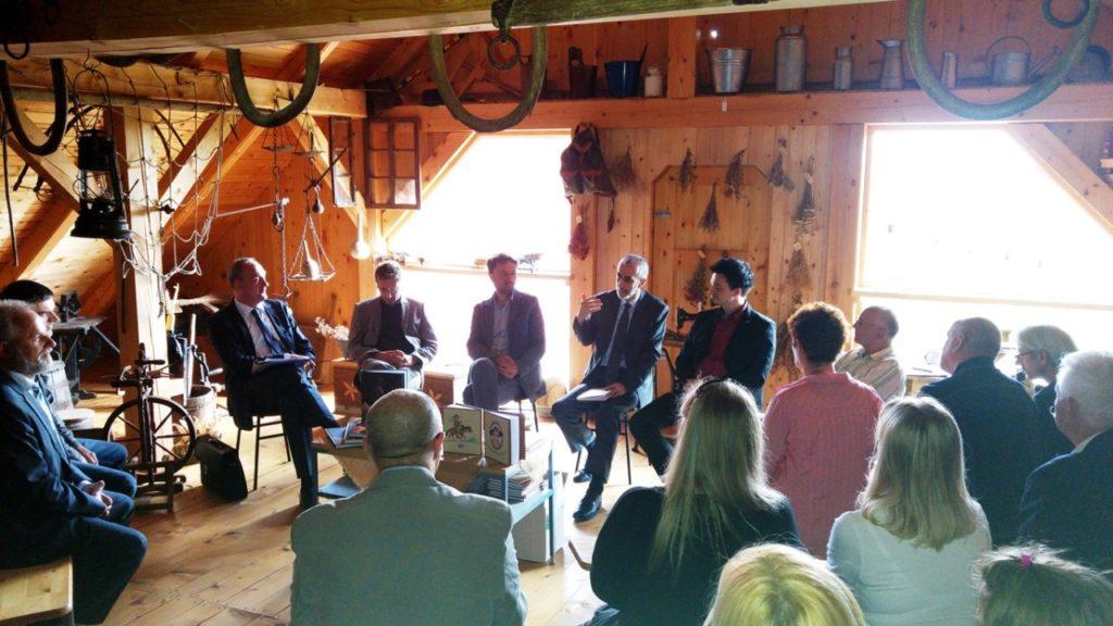 Družabno-kulturno srečanje na ekološki kmetiji Ergela Planido
