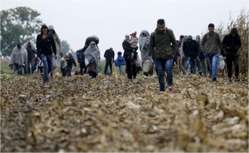 Migranti prej do stanovanj kot državljani
