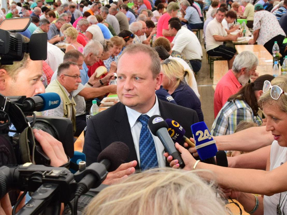Zidanšek pozval politiko k poenotenju v primeru Lex Frank