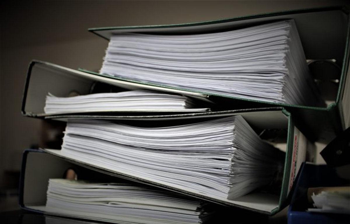 Razbohotena birokracija ena največjih težav Slovenije