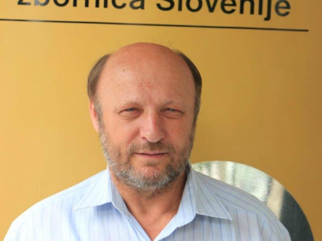 Janez Porenta – predsednik KGZ Sloga, ki za ljudi odkupuje poštne poslovalnice