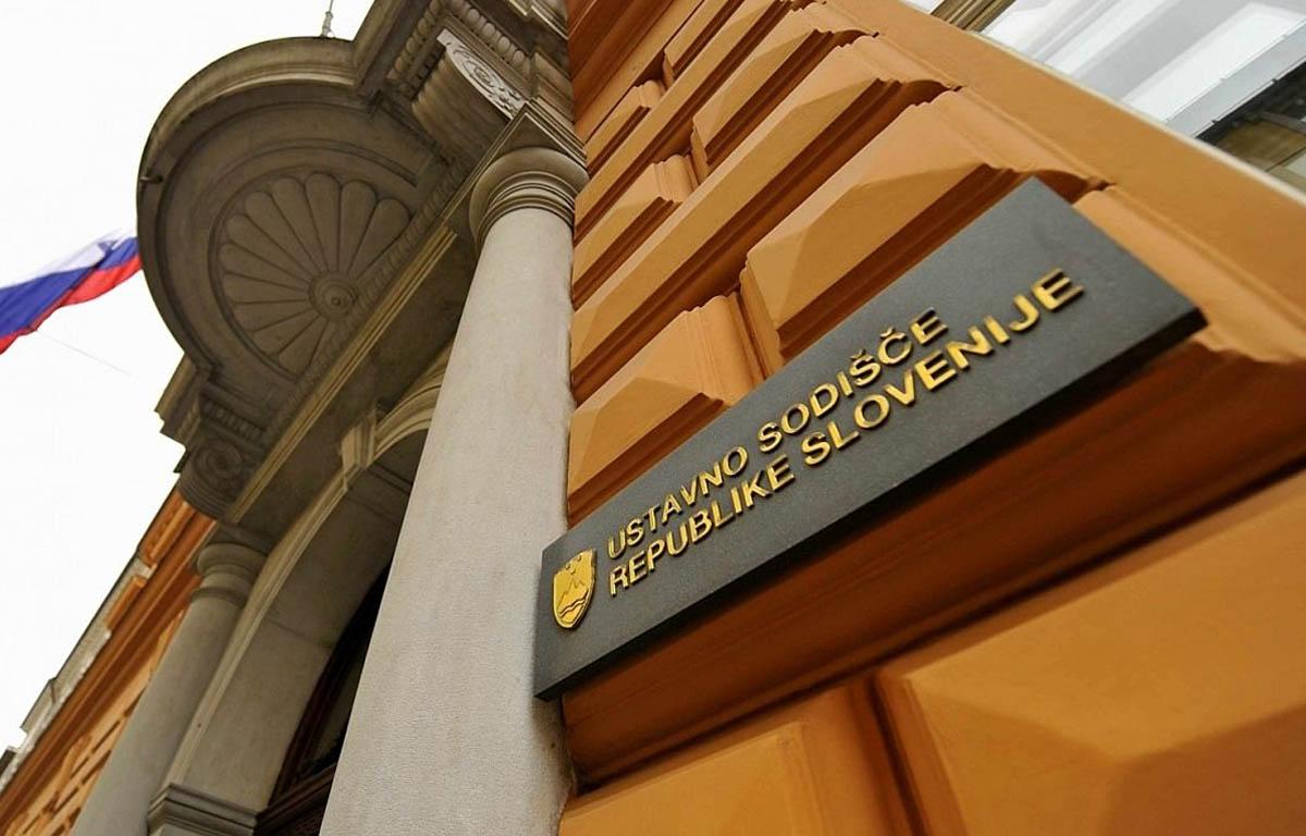 Ustavno sodišče RS pritrdilo opozorilom SLS glede obrednega zakola Halal