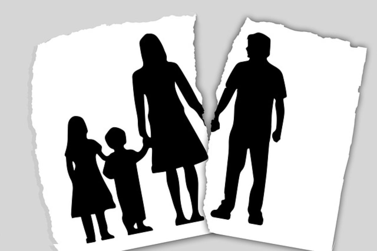 Milko Škoberne: Dodelitev otroka po ločitvi materi, je postalo že skoraj pravilo