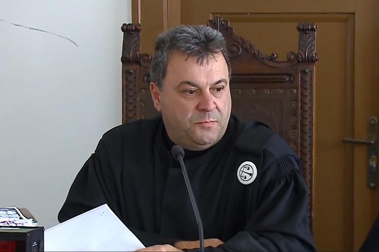 Milko Škoberne: Ali na sodnike pritiskajo kako naj sodijo ?