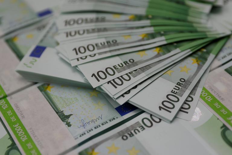 Slovenija poleg tujih investicij pričakuje tudi več priseljencev