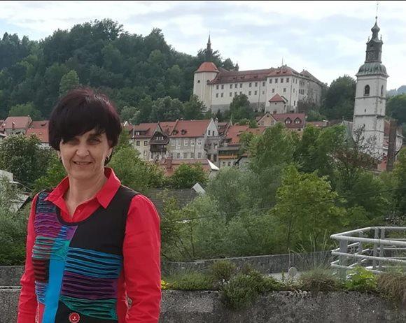 Darija Jamnik: Slovenščina kot materni jezik ali jezik sporazumevanja