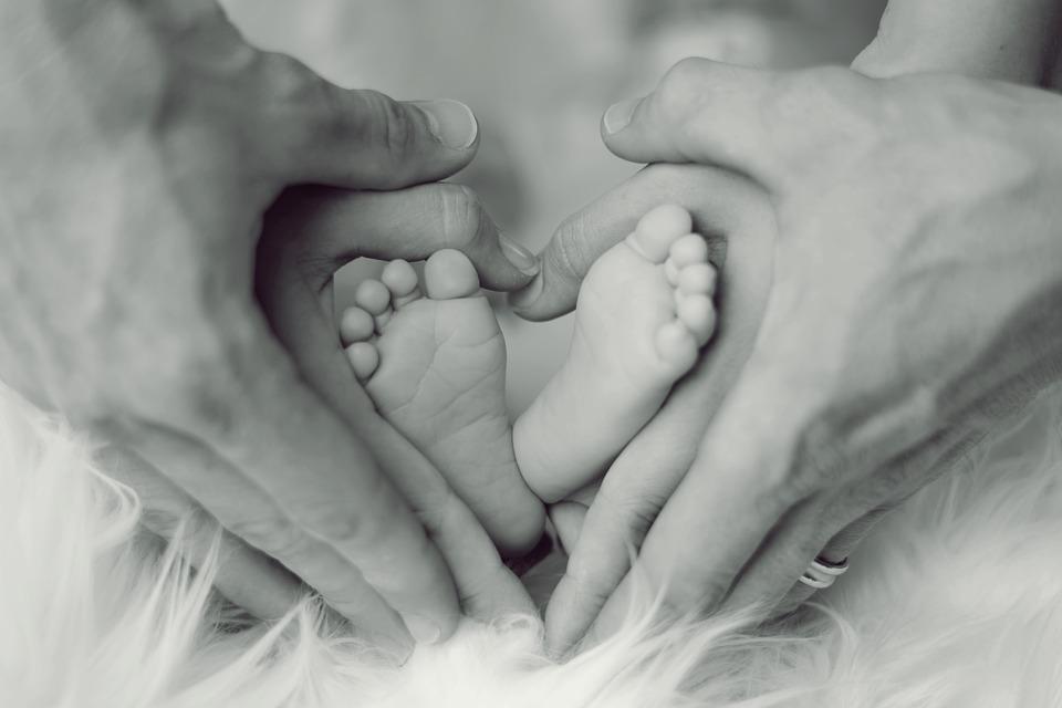 Družinski zakonik v korist ali za manipulacijo otrok?