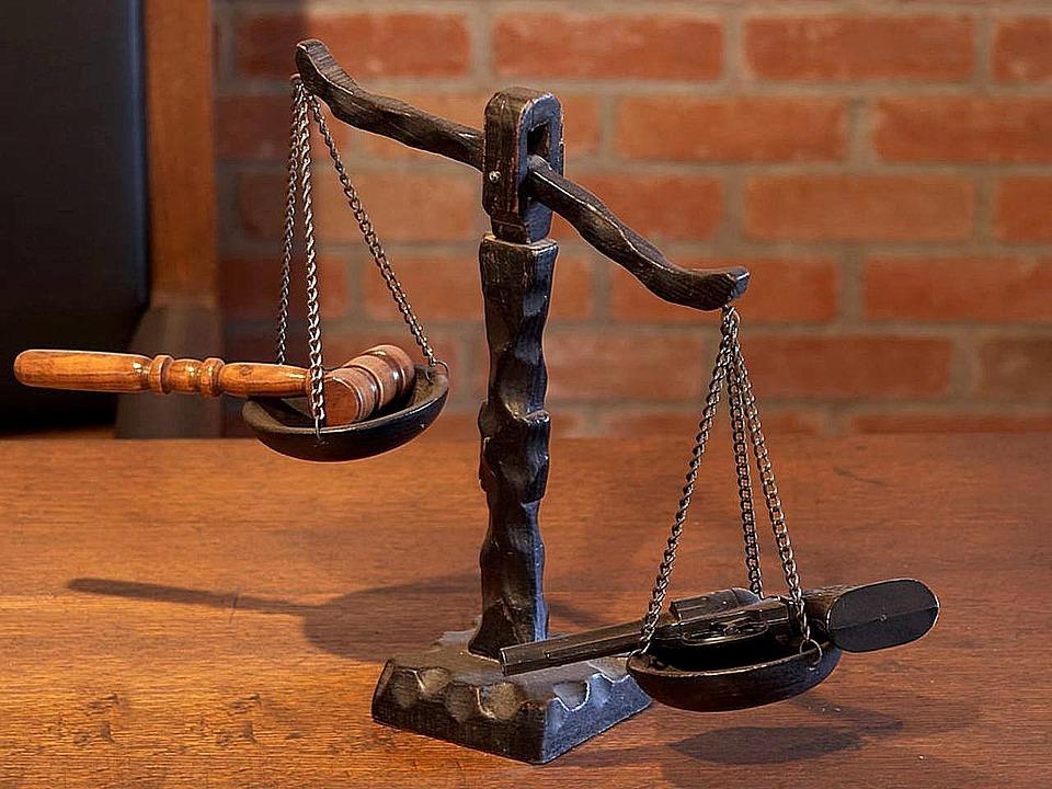Pomanjkanje sodnih izvedencev, sodnikov in povečanje pristojnosti sodišč na področju družinskega prava povečalo čas reševanja zadev