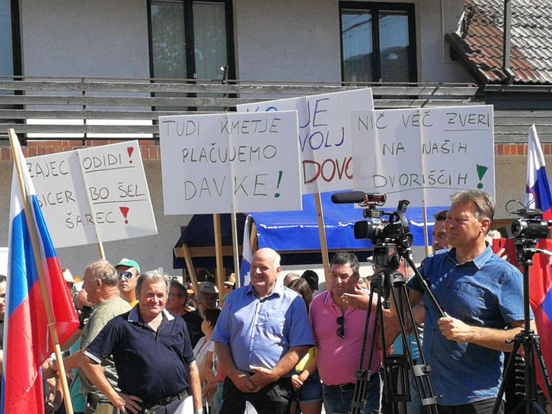 Protest v Gornji Radgoni bo kljub grožnjam Medvedu in Podobniku