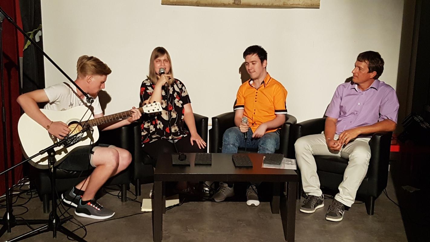 Sledi korakov: Anja Pustak Lajovic, Miha Šoštar, Simon in Tadej Zorman