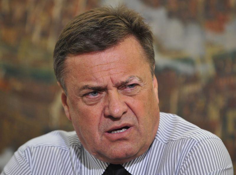 Se bo Janković, kot Bavčar in Zidar poslužil metode »slabega zdravja«?