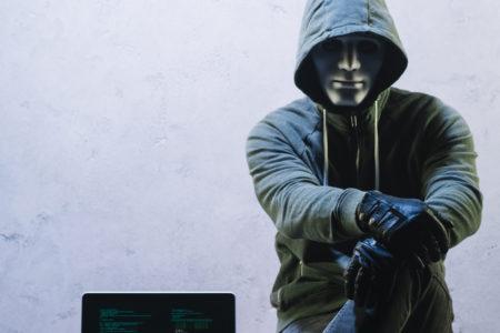 Goljufije s kriptovalutami: kako jih opaziti in preprečiti, da bi bili prevarani?