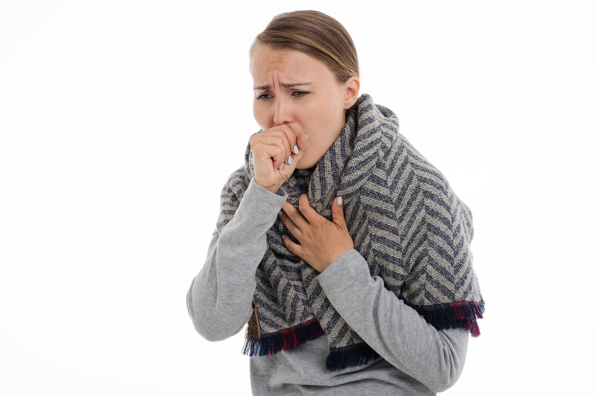 Kašelj: poznamo različne vrste kašlja – a kaj pomenijo?