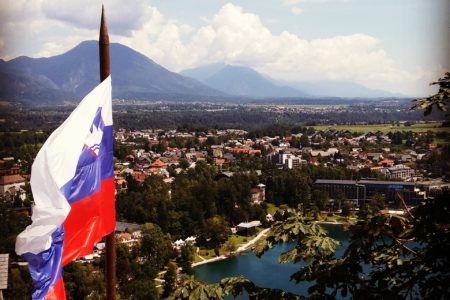 Slovenski narod, družba in kultura