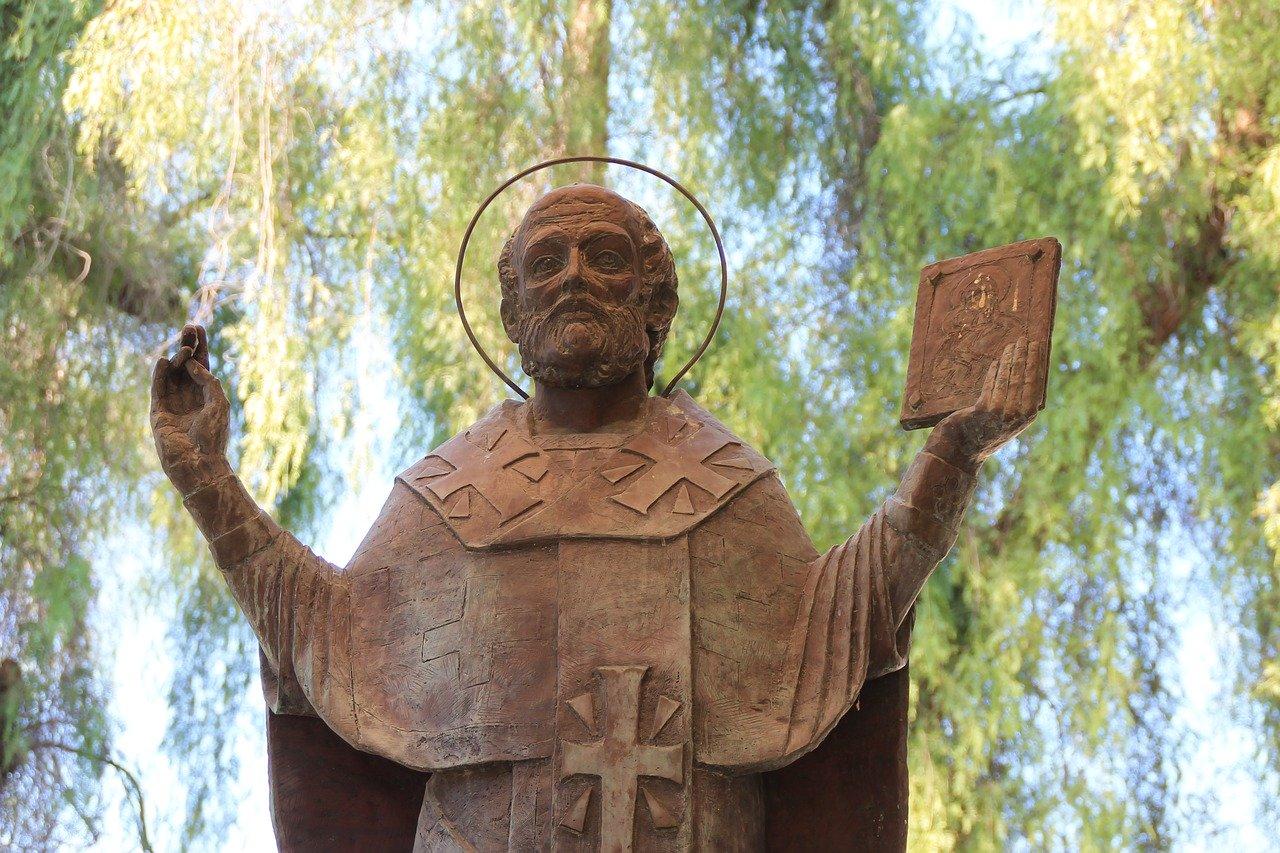 Sveti Miklavž – dobrotnik v boju za obstanek