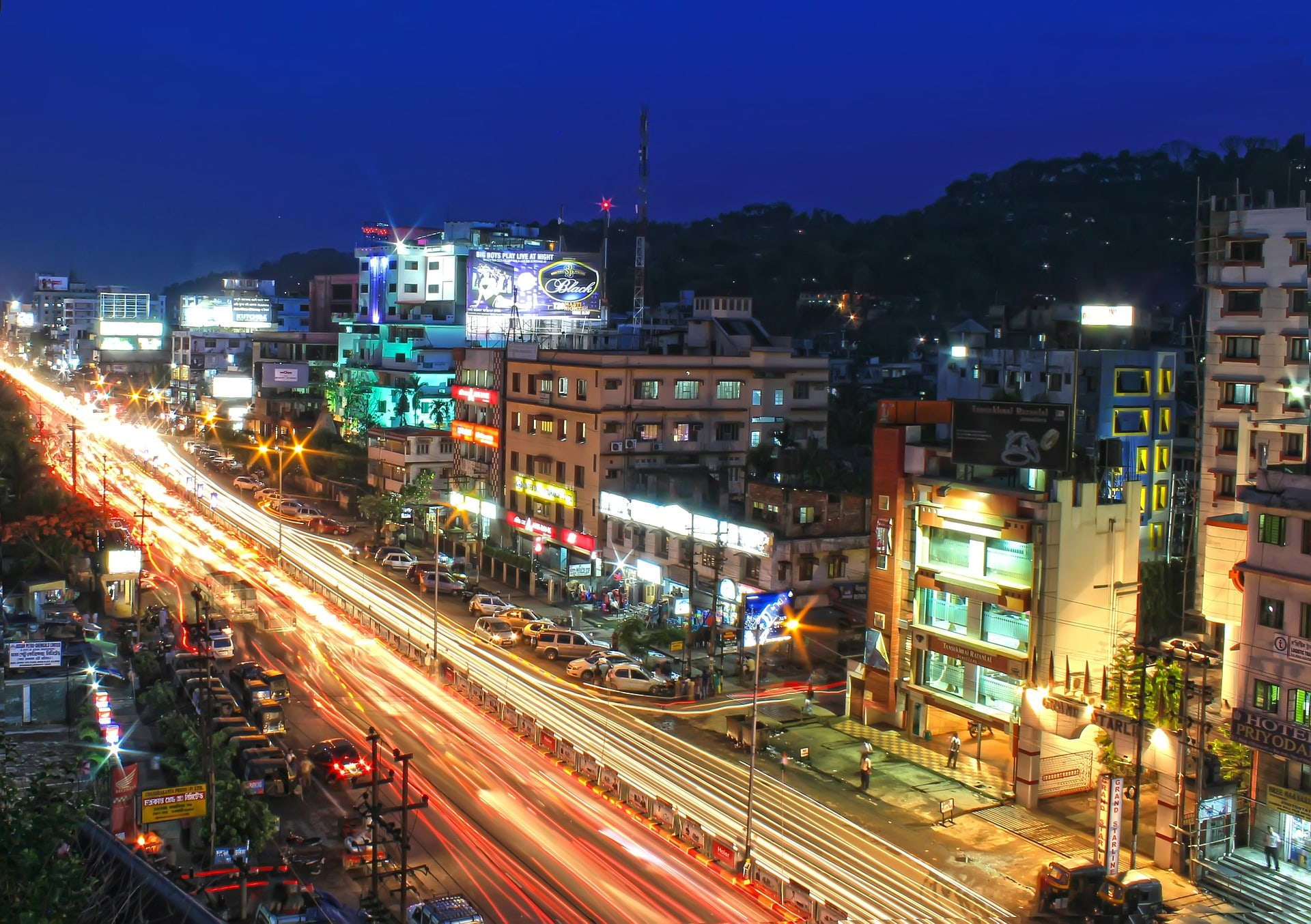 Je najhitreje rastoča država na svetu zašla s poti?