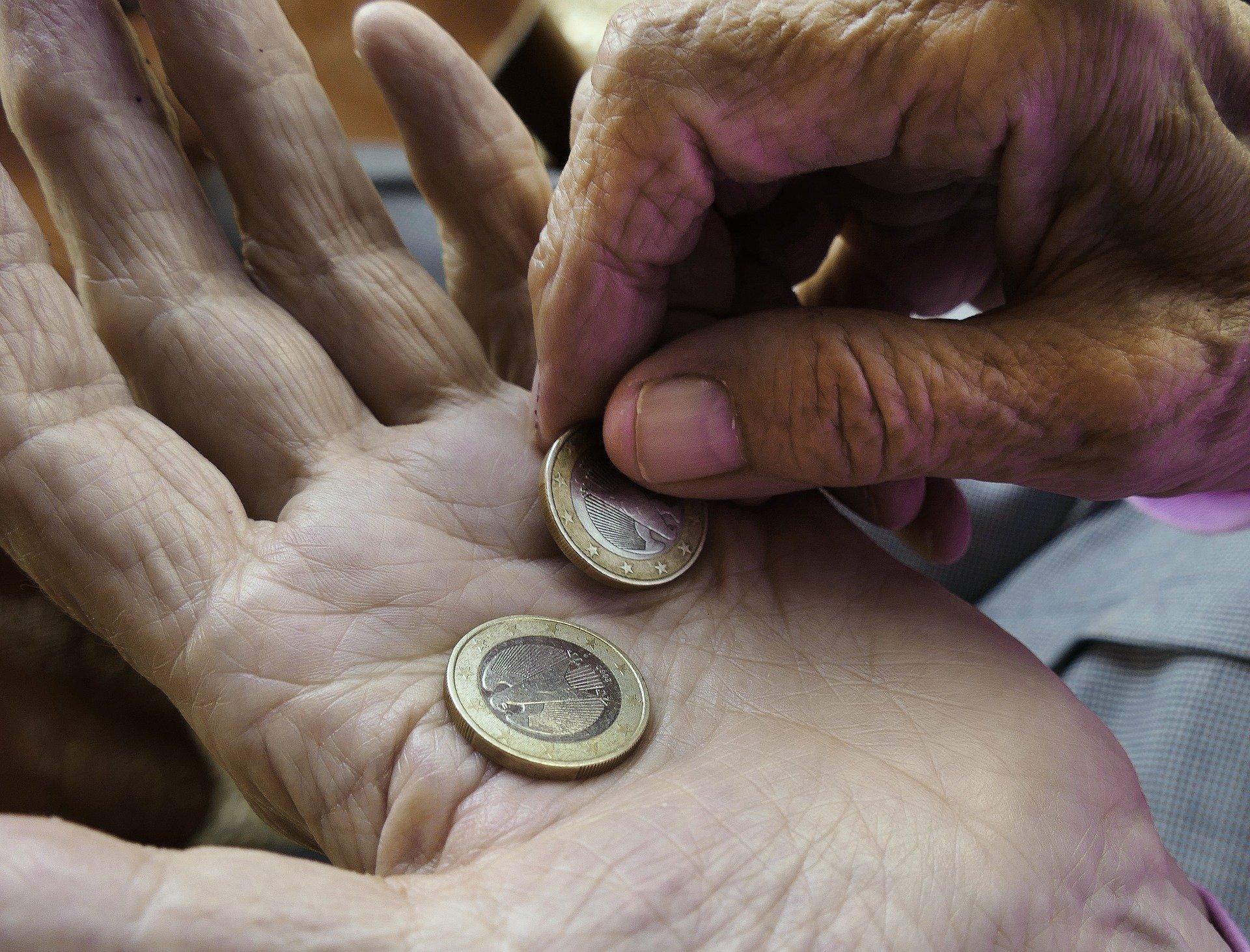 Dvig minimalne plače ponovno poslabšuje položaj prejemnikom le-te