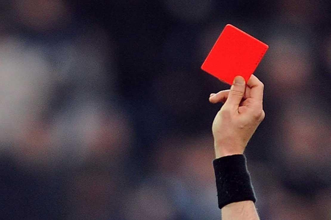 Šala dneva: Rdeči karton