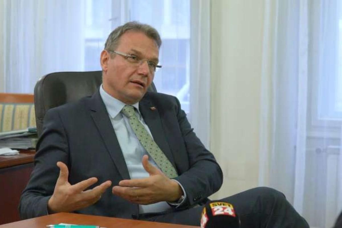 SLS opozorila, da koronavirus v Sloveniji postaja tudi vprašanje prehranske varnosti