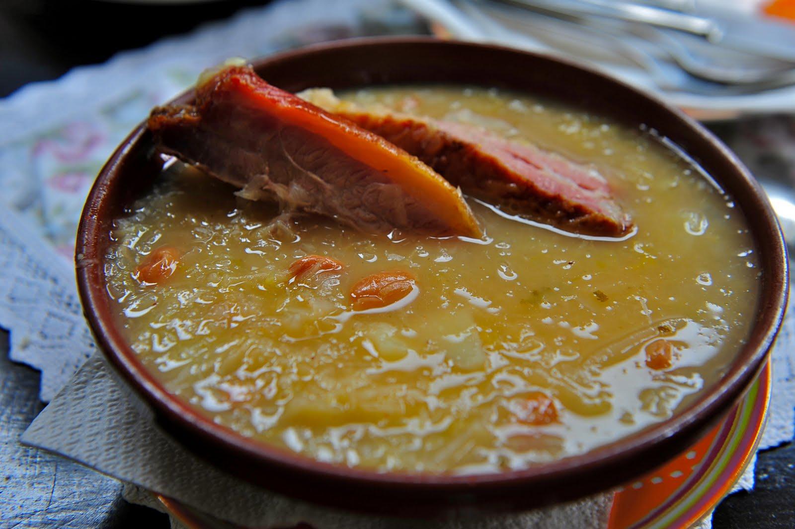 Krožnik slovenske tradicije – slovenske jedi