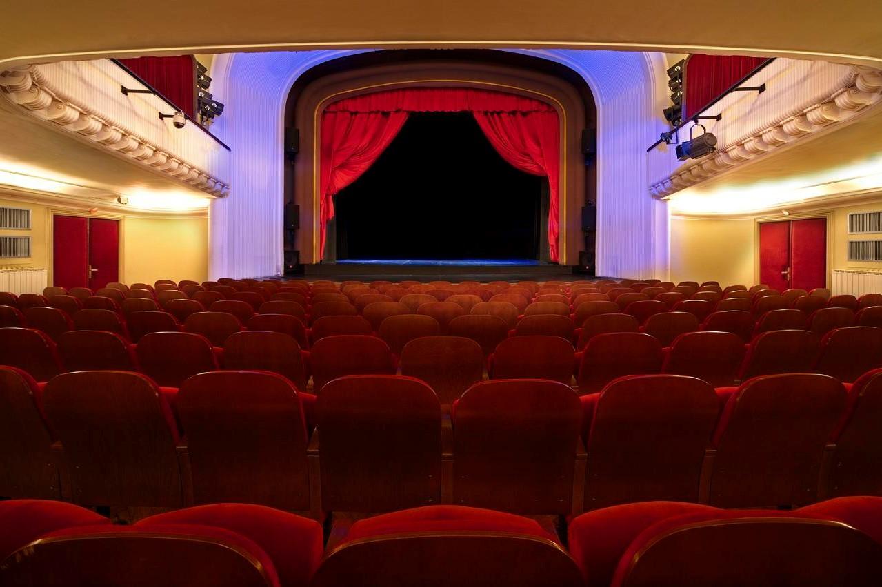 Svetovni dan gledališča letos iz domačega fotelja