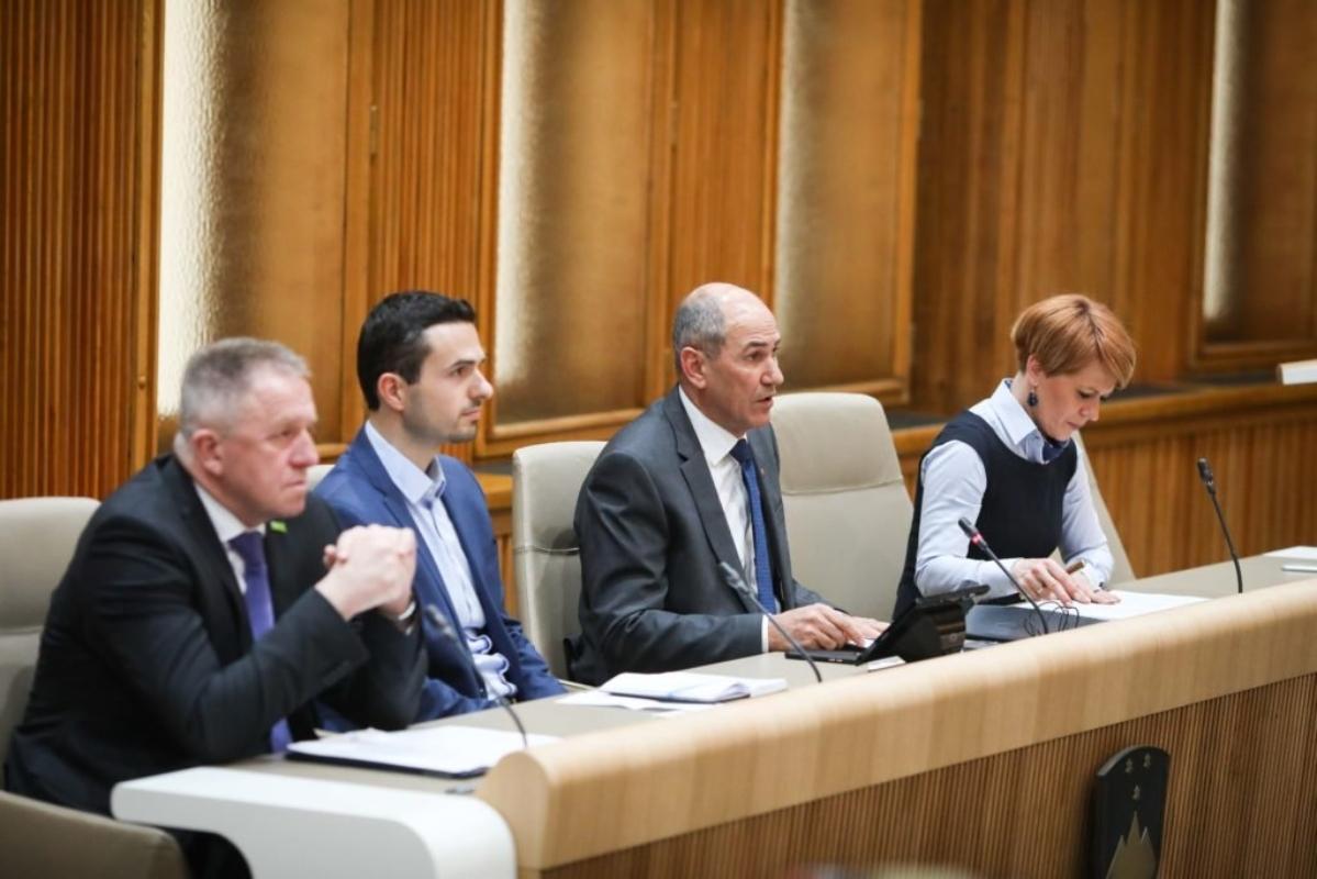 Janša in koalicijski partnerji: »Še vedno lahko preprečimo situacijo, kakršno spremljamo v Italiji.«
