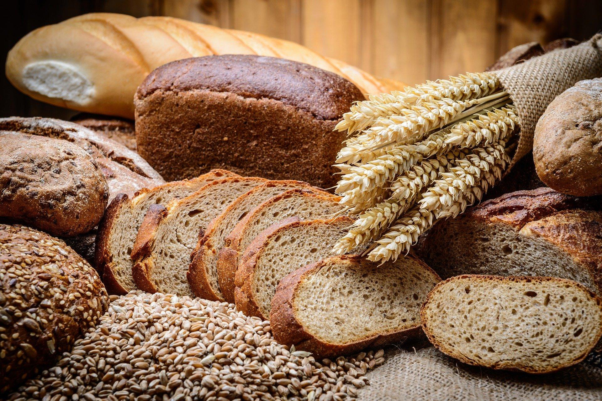 Iz domače kuhinje: Peka domačega kruha