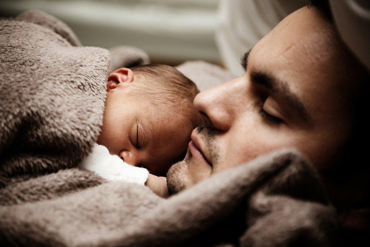 Očetovski dopust – kaj je treba vedeti?