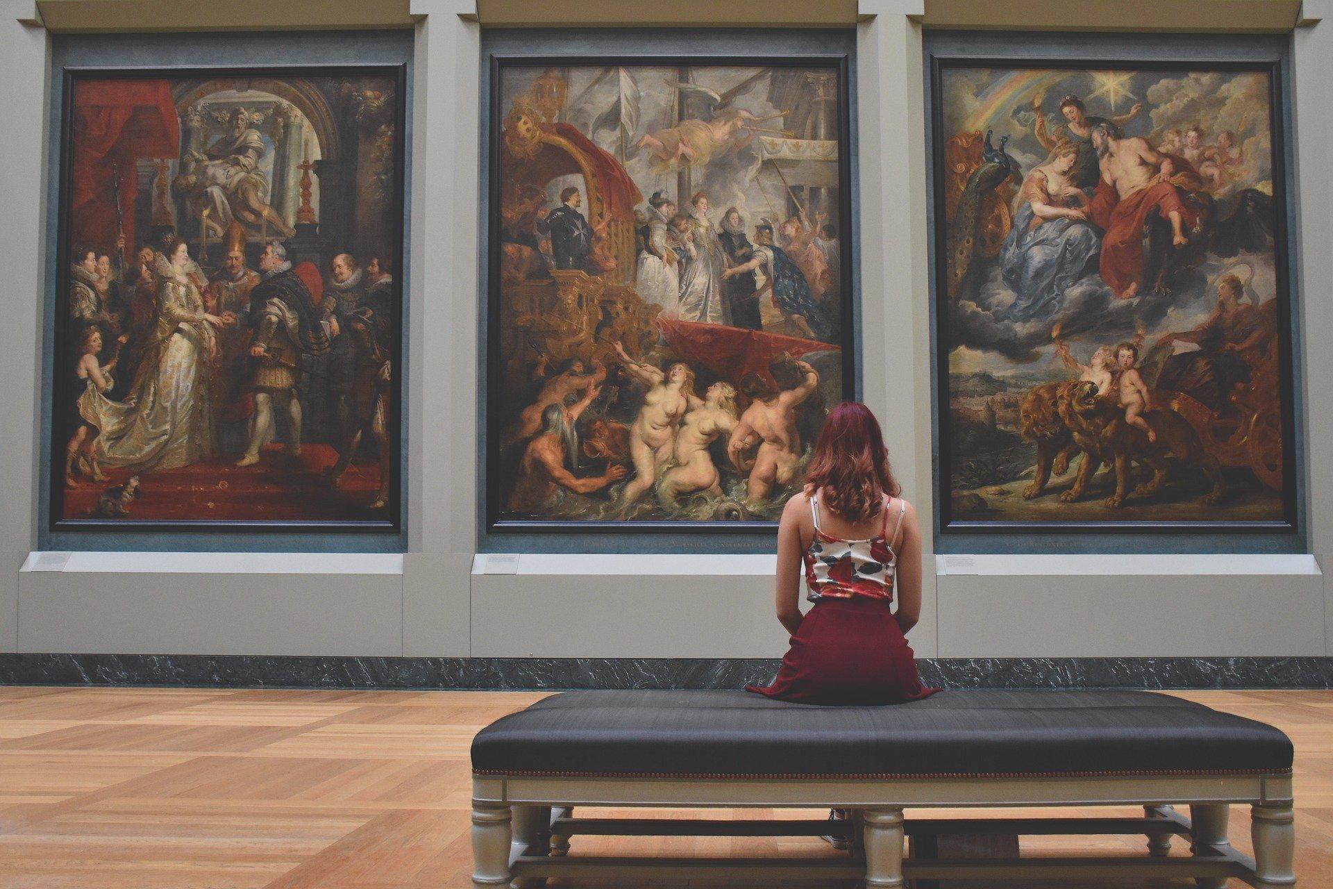 V muzeje in knjižnice le z masko in zdravi