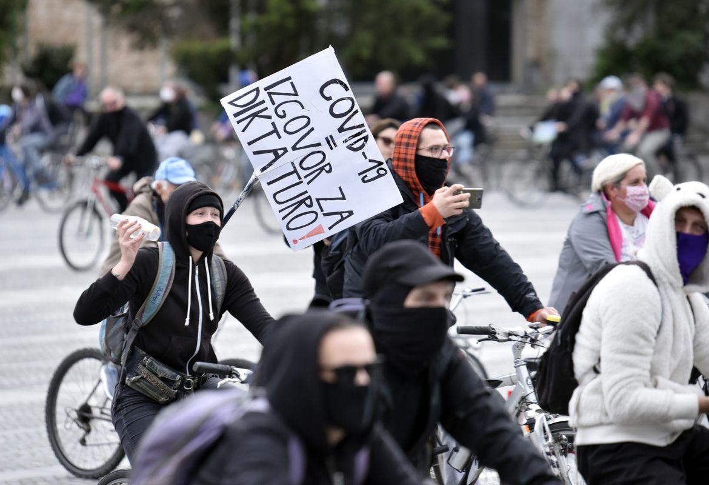 Ali je glas protestnika vreden več kot glas volivca?
