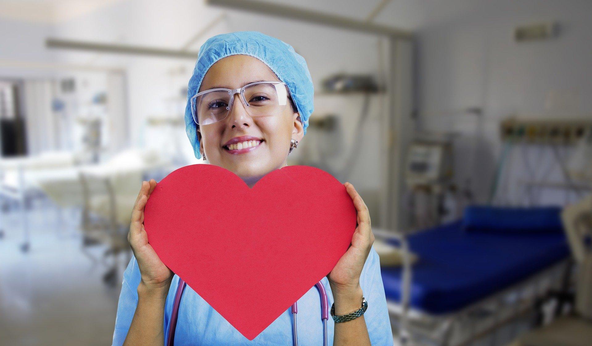 Mednarodni dan medicinskih sester v znamenju neplačanih dodatkov