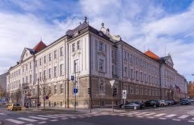 UE Maribor ne izdaja potrdil za vrtove gostiln