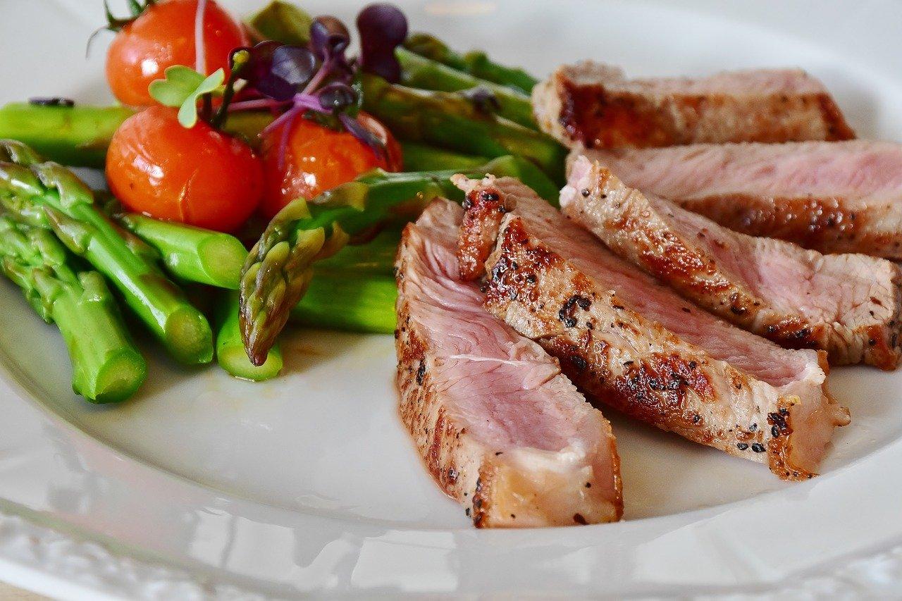 LCHF dieta zmanjšuje nevarno visceralno maščobo