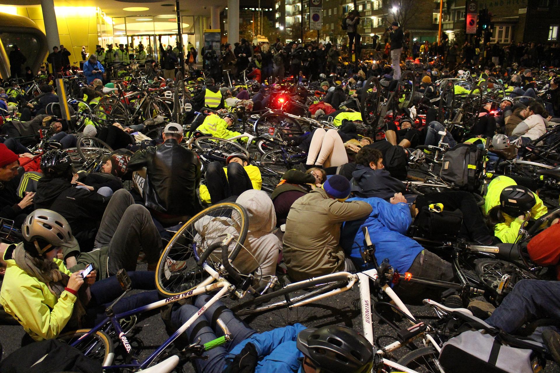 Protesti potrebujejo prihodnost, ne Slovenija