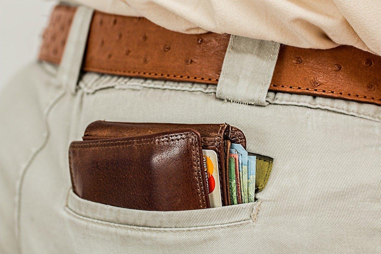 Se odpravljate na dopust? Kateri način plačevanja je priporočljivo izbrati?