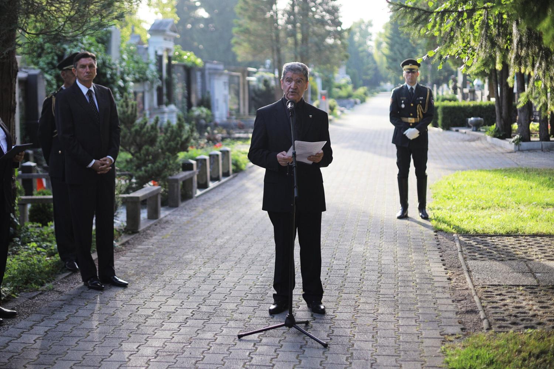Pokop po vojni pomorjenih žrtev – Logatec na god sv. Tomaža