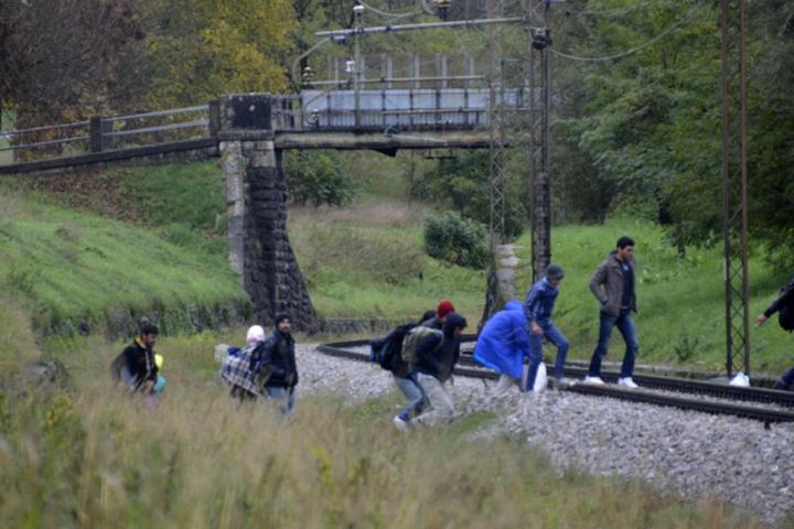 V juliju skoraj 1000 ilegalnih prehodov meje v Sloveniji