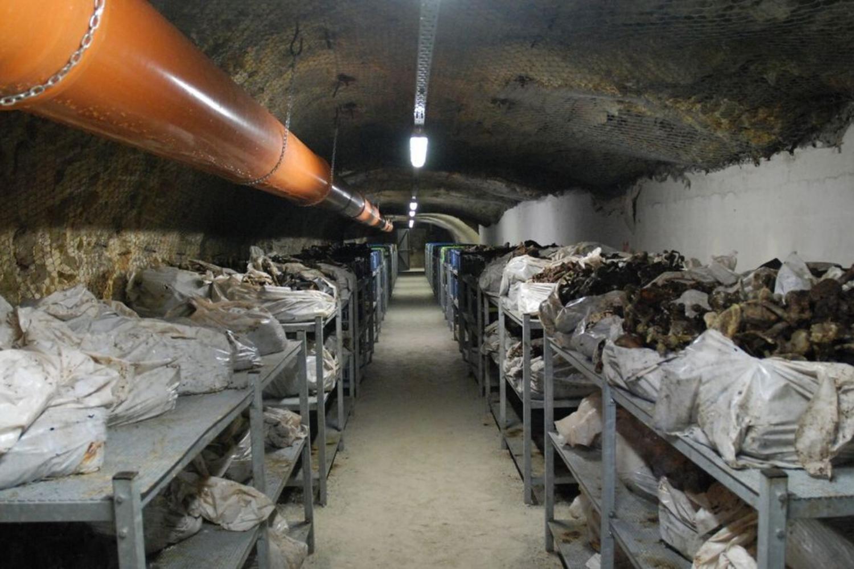 Srebrenica in Huda jama na različnih planetih?