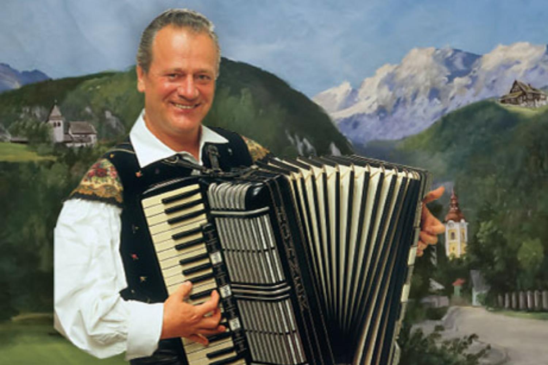 Zvok harmonike je glas slovenskega naroda