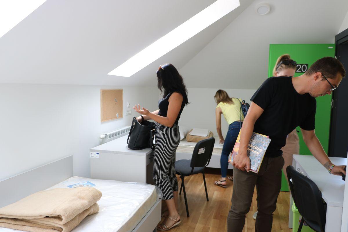 Študentski dom ali stanovanje?