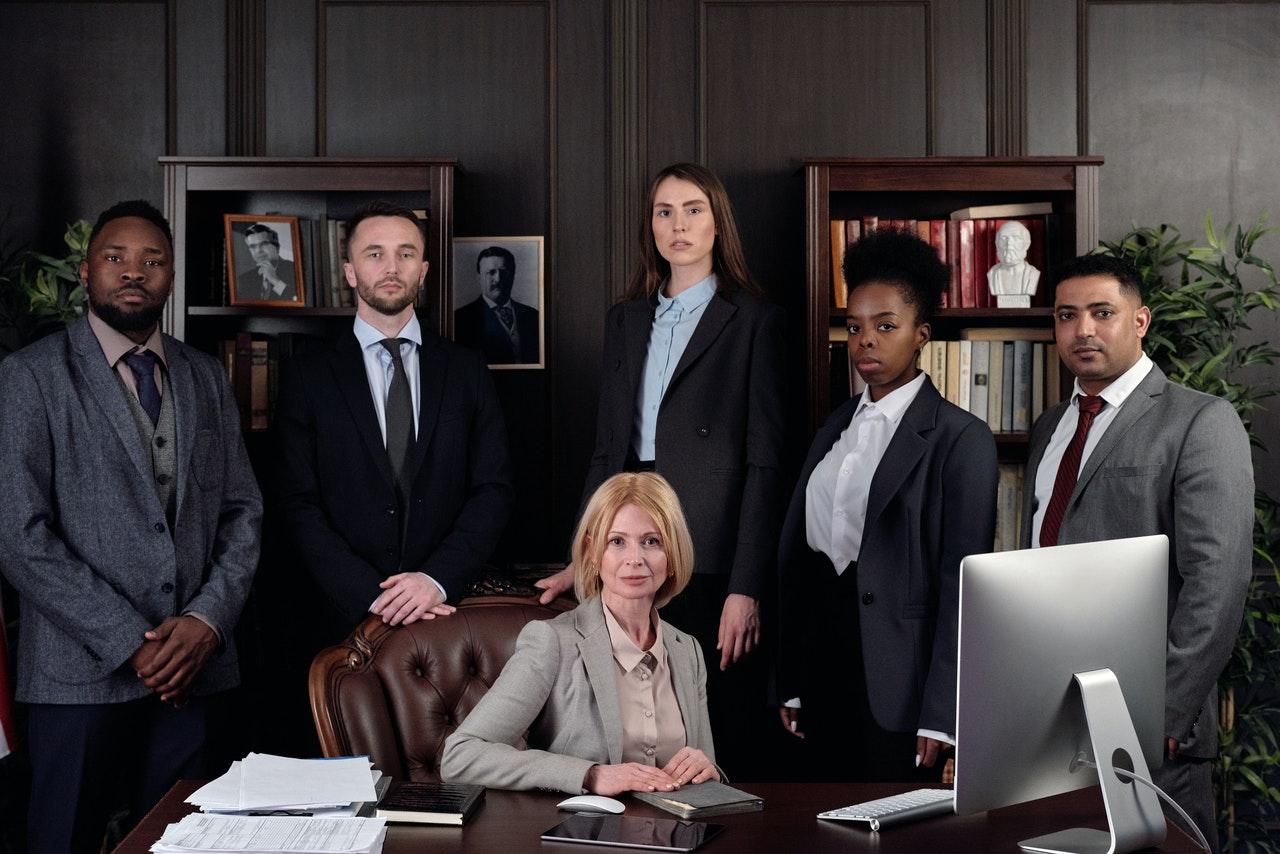 Brezplačni pravni nasveti: kdo jih nudi in kje jih poiskati