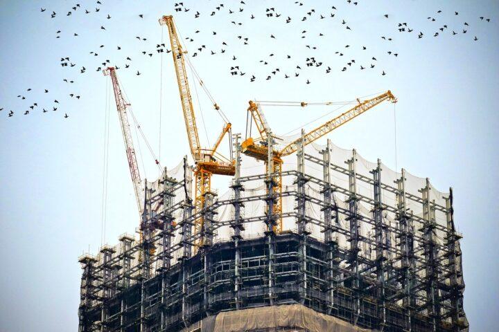 Slovenija junija z največjim padcem gradbeništva v EU