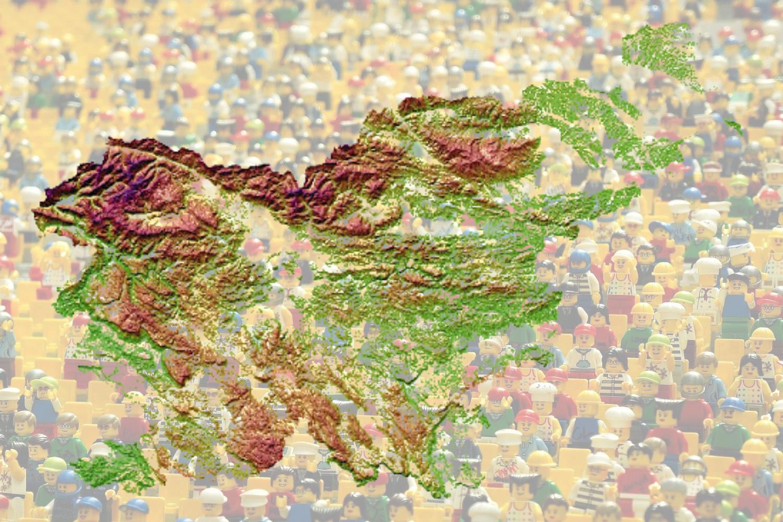 Slovenija ima manj državljanov, število tujcev pa narašča
