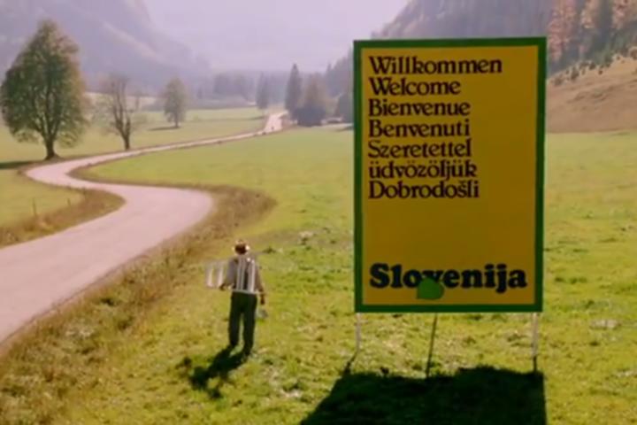 Ali je v Sloveniji slovenščina še uradni jezik?