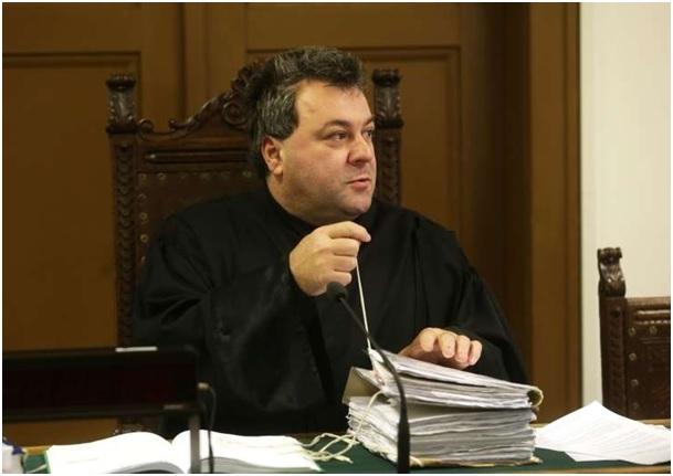 Sodnik Radonjić (pričakovano) začasno odstranjen iz sodniške službe