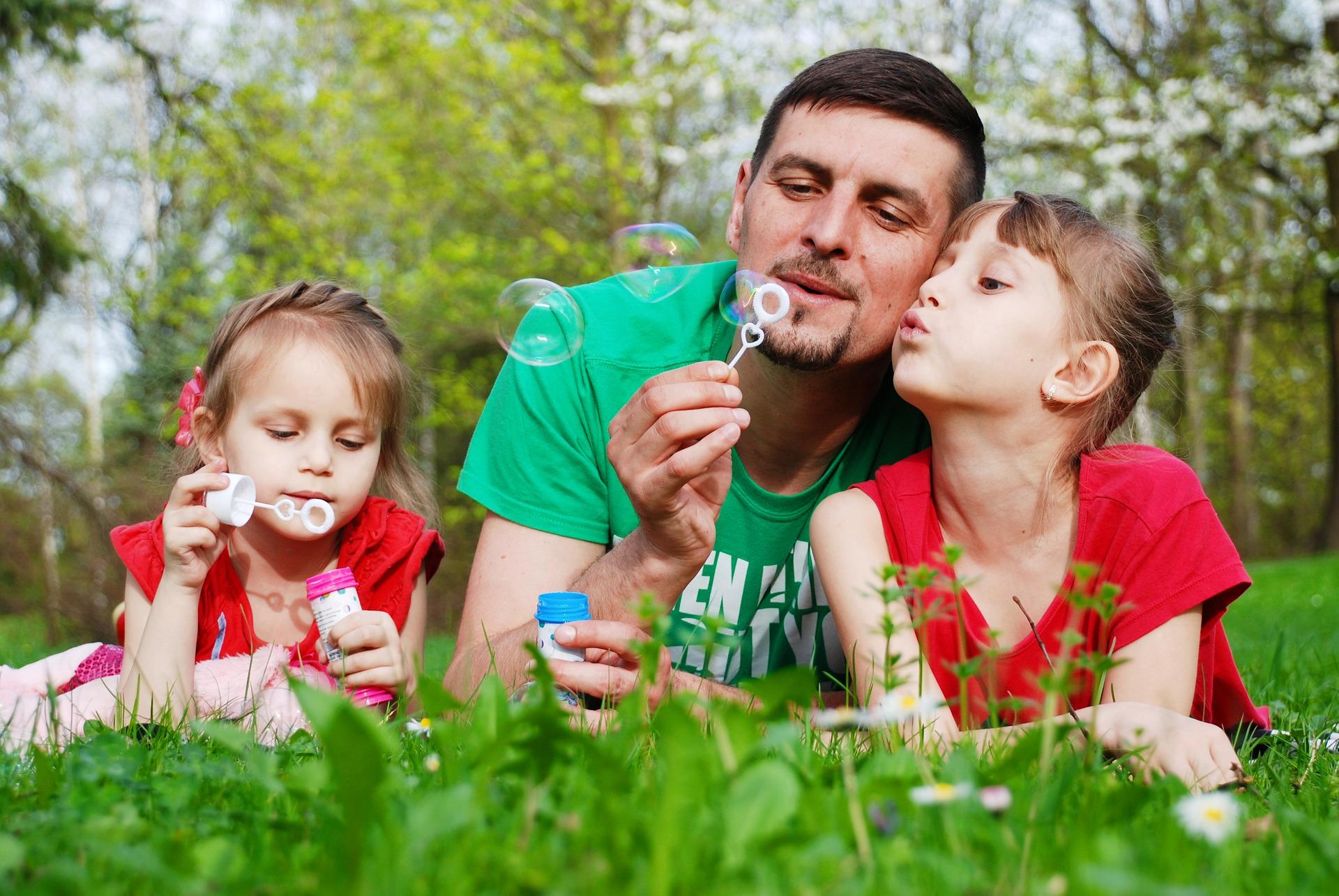 Vloge matere in očeta v družini
