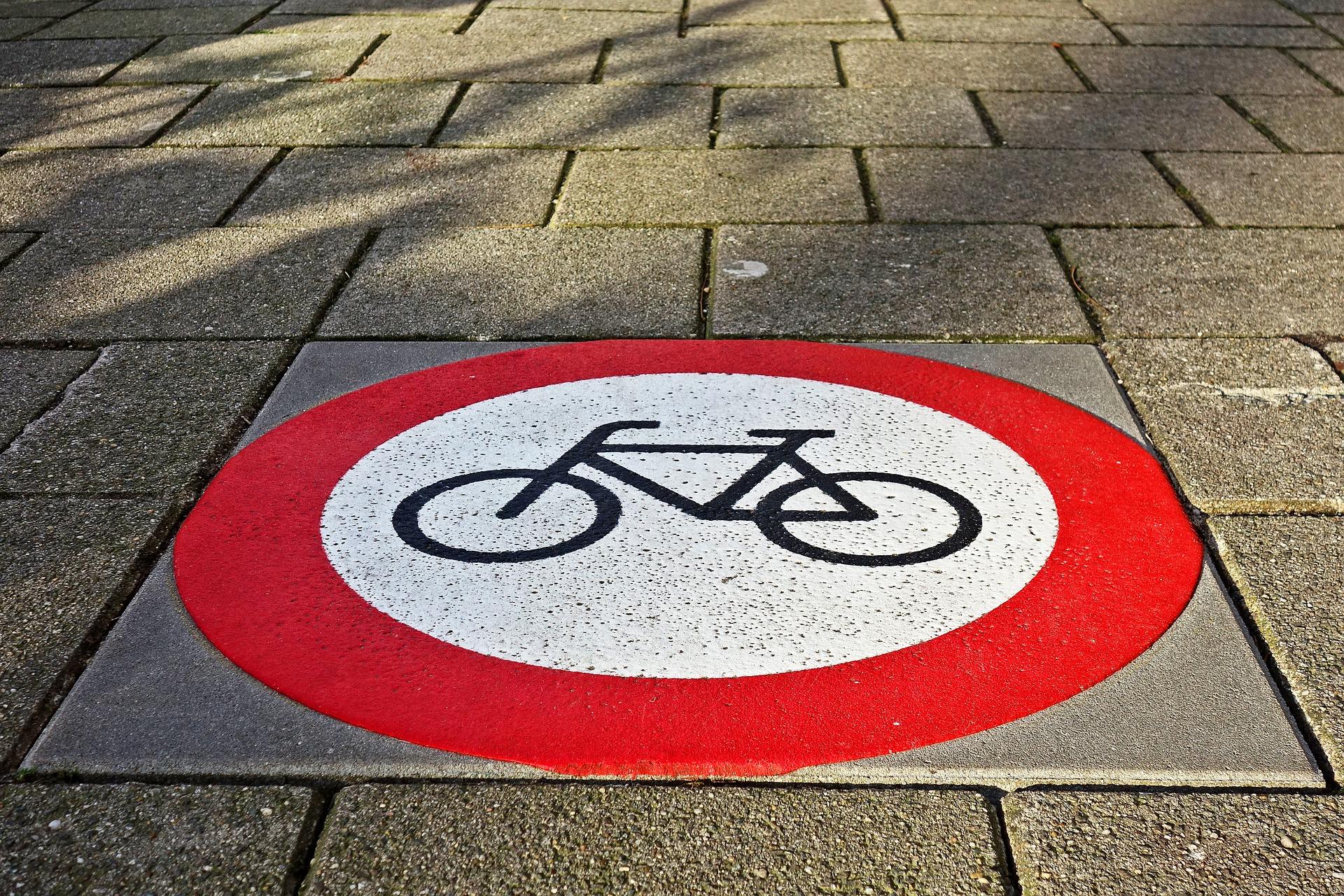 Je mogoče sožitje med avtomobilisti in kolesarji?