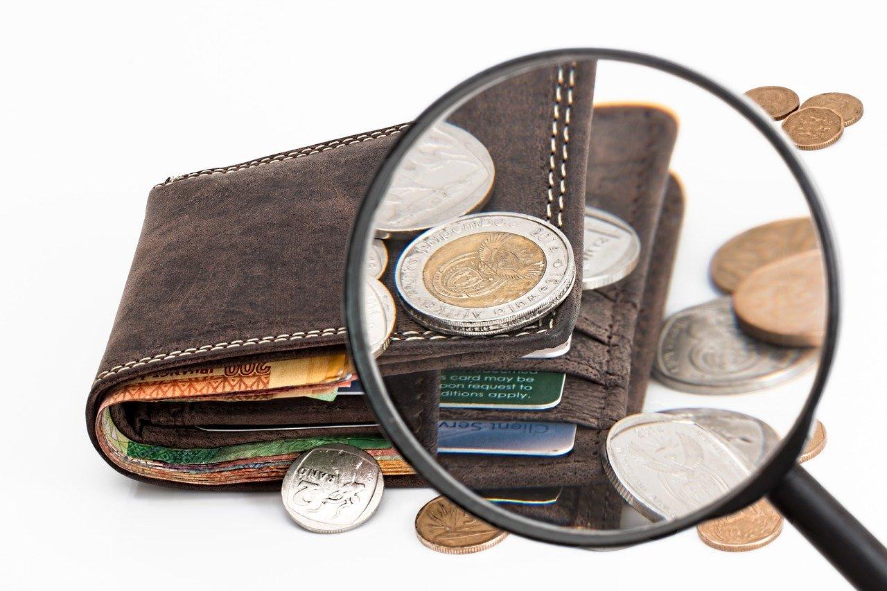 Prispevki, izračunani od razlike med minimalno plačo in najnižjo osnovo za obračun prispevkov, bremenijo delodajalca in delavca.