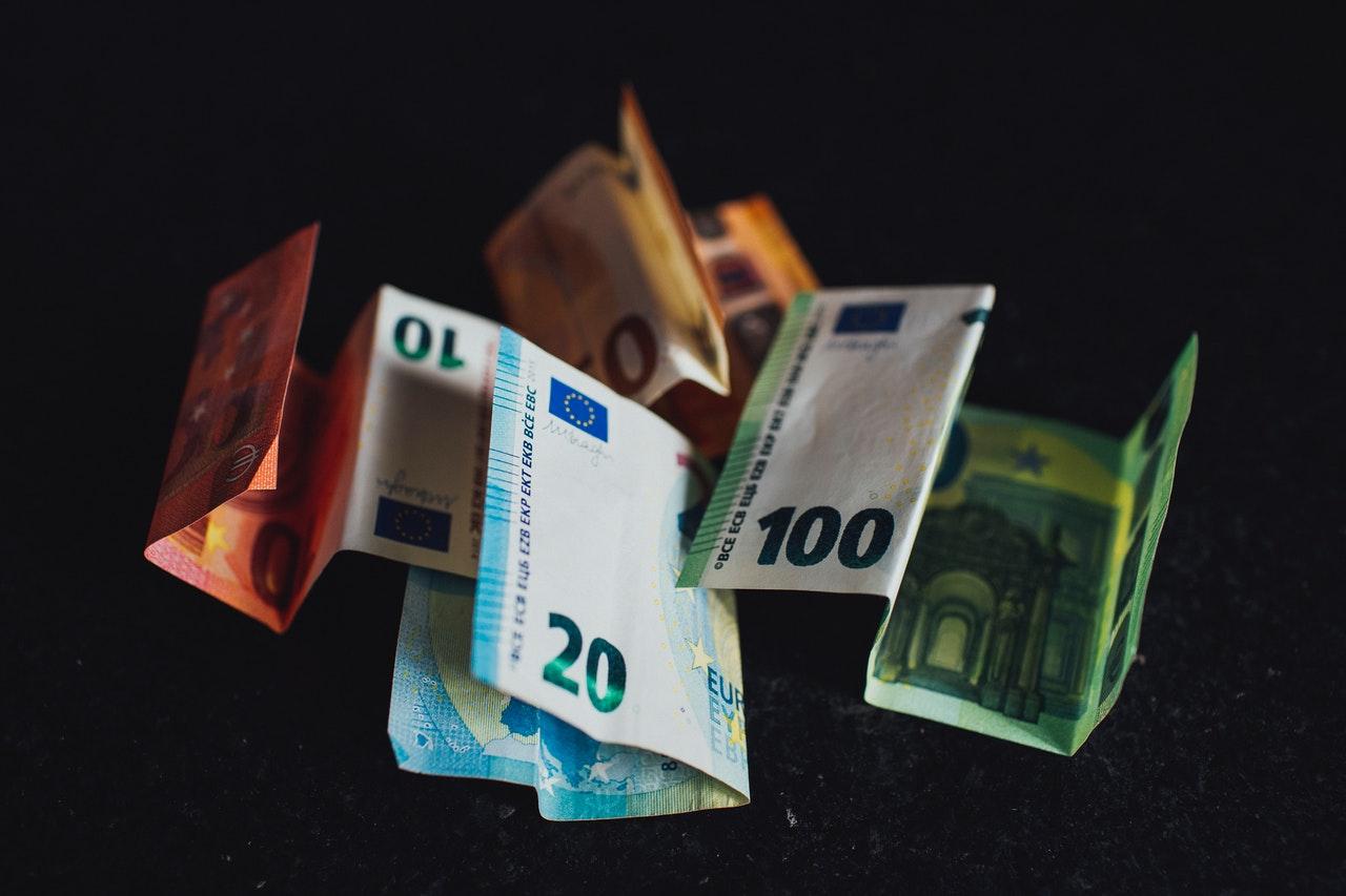 Minimalna plača v Sloveniji nas uvršča na osmo mesto v EU