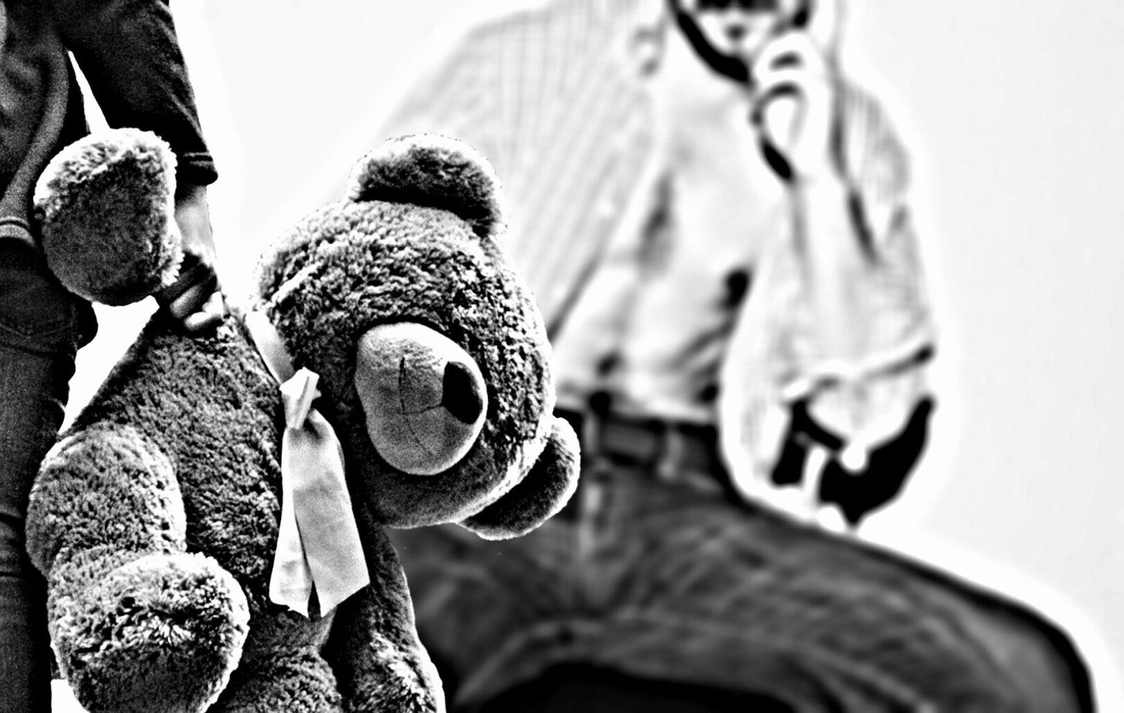Otroci, ki so čustveno ranjeni in osamljeni imajo večje možnosti, da bodo spolno zlorabljeni.
